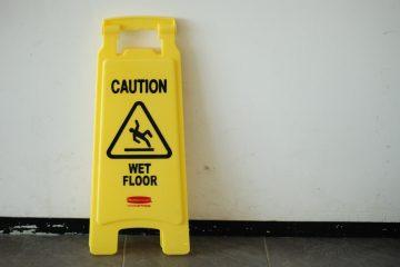 Schoonmaakmiddel houten vloer dweilen